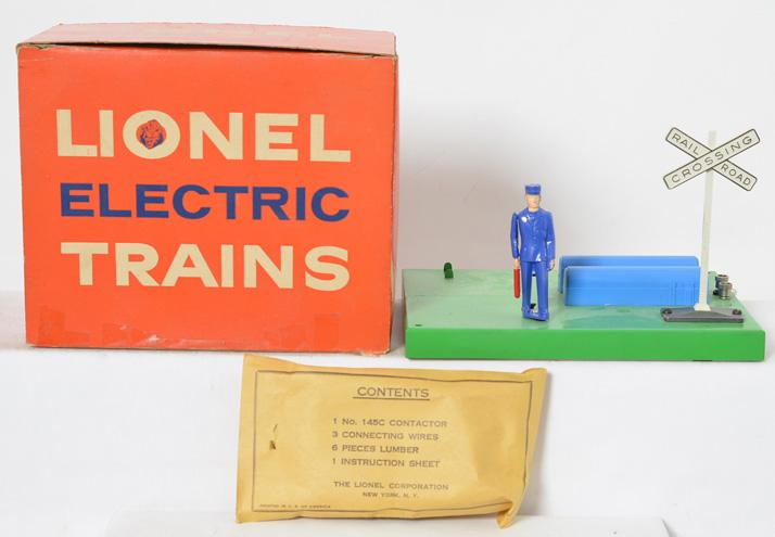 Lionel 1047 switchman with flag in original box