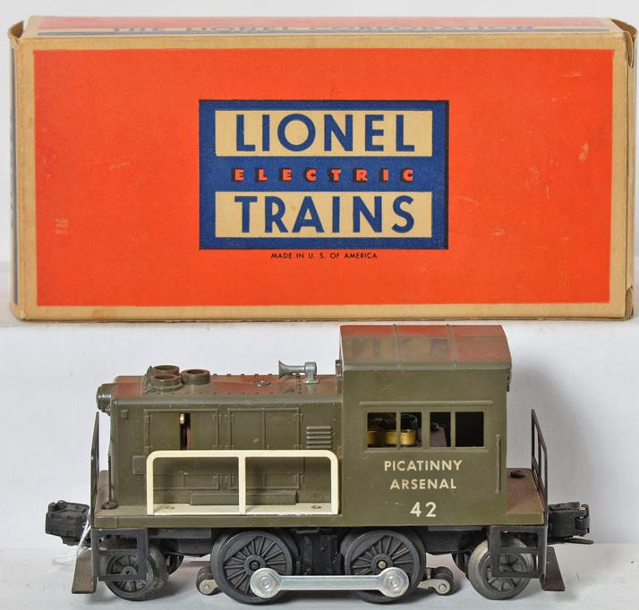 Lionel 42 Picatinny switcher with good window struts and box