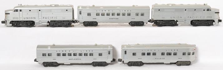 Lionel Union Pacific 2033P, 2033T, 2421, 2422, 2423 passenger cars