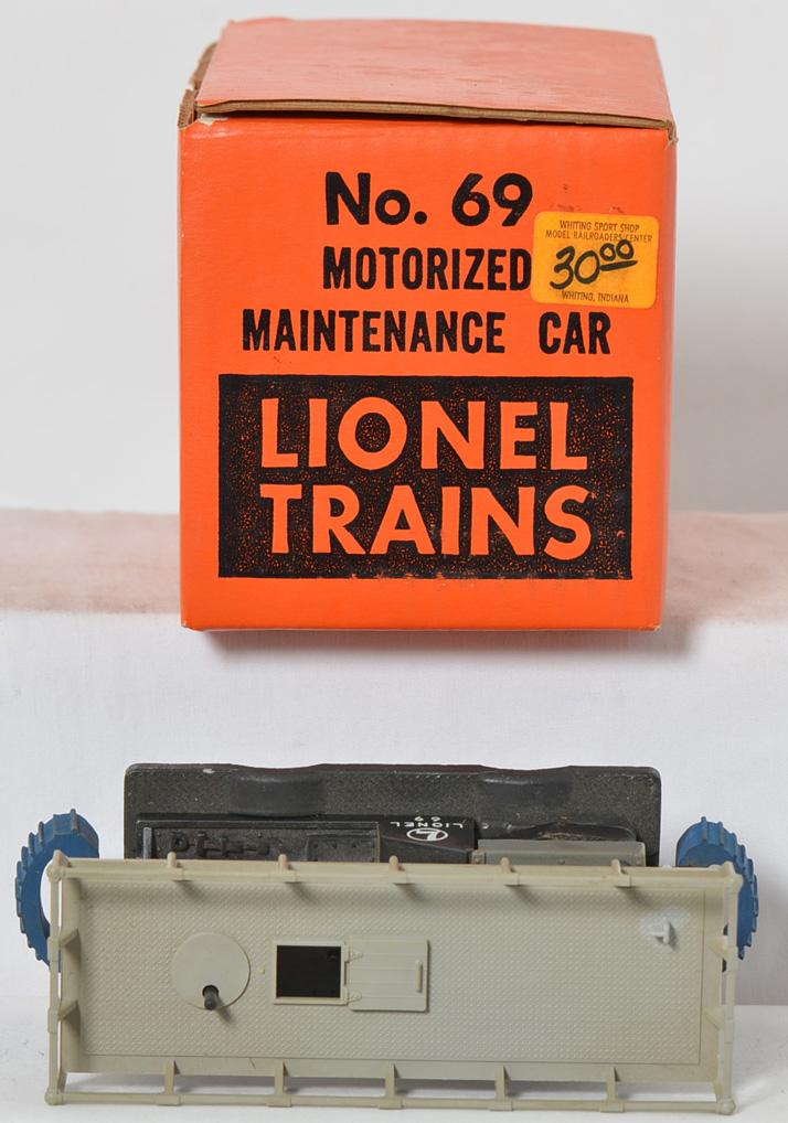 Lionel 69 motorized maintenance car with box and instructions