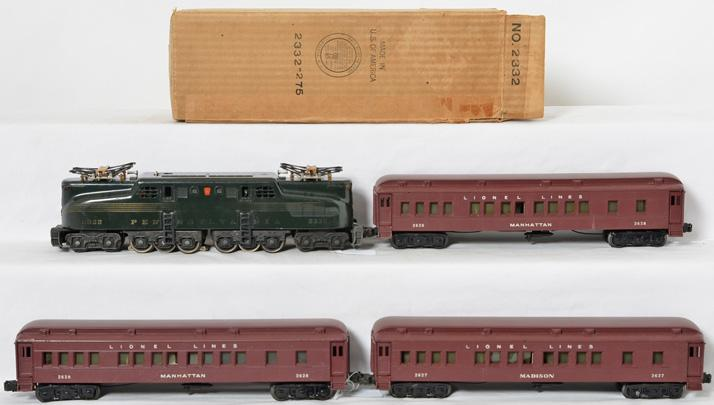 Lionel 2332 Pennsylvania GG-1 with 2627, 2628, 2628 passenger cars