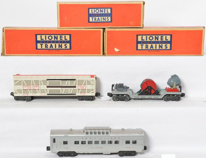 Lionel 6376, 3650, 3424, and 2432 freight and passenger cars with boxes