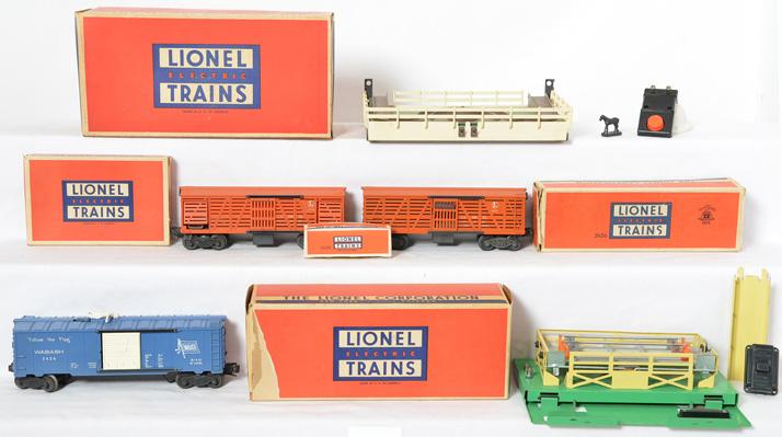 Lionel operating cars 3424, 3356 corral only, 3656 stock cars and corral with orange gates