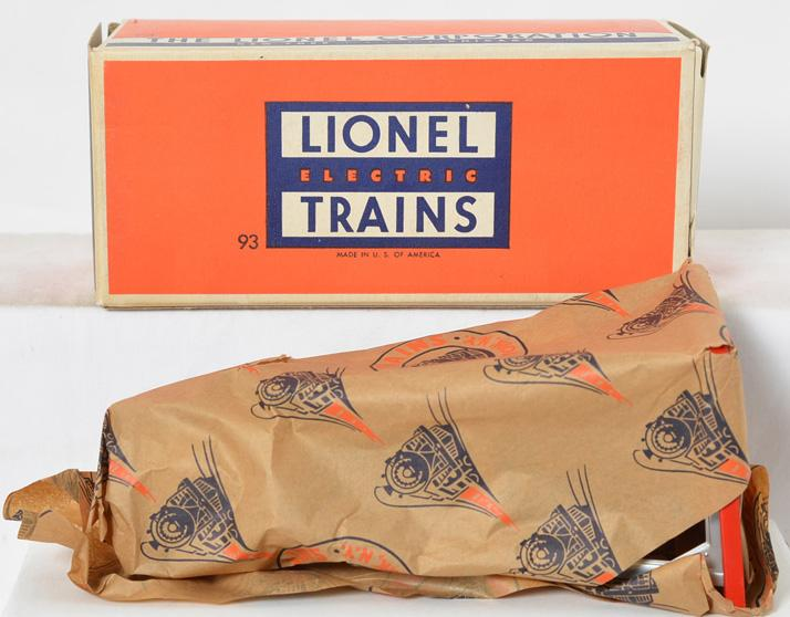 Lionel Postwar O gauge 93 Water Tower in Tight Factory Wrapping Paper with Original Box