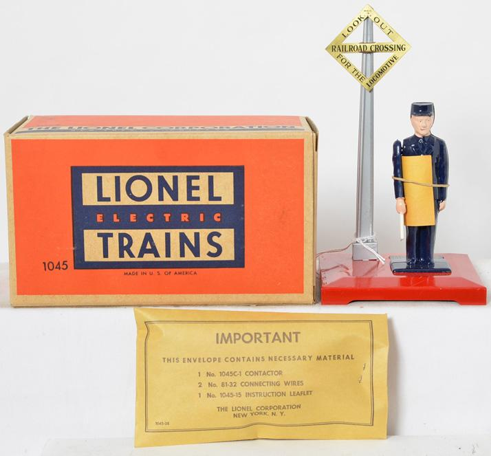 Lionel Postwar O gauge 1045 Unused Operating Watchman in Original Box