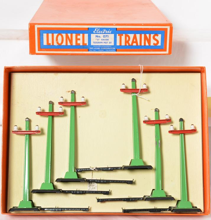 Lionel prewar O gauge No. 071 Telegraph Post Set in an Incredible Original box