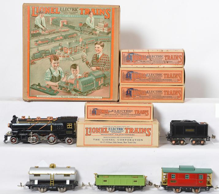 Lionel prewar O gauge 133 Freight Set including 262 Locomotive with original original boxes