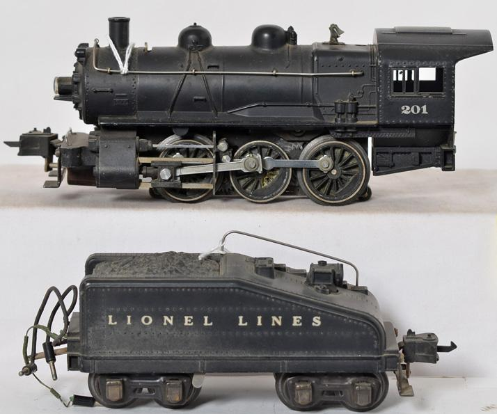 Lionel prewar O gauge 201 six wheel switcher and 2201B Bell tender