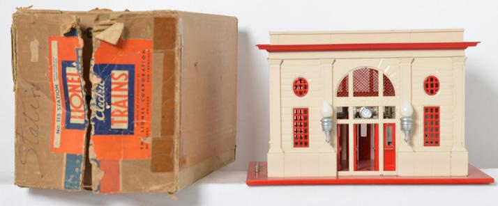 Lionel 115 Station in original box