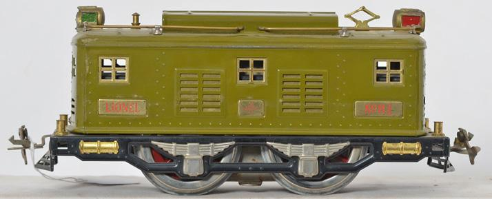 Lionel standard gauge pea green 8E electric locomotive