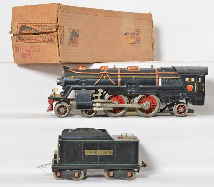 Lionel standard gauge black 392E with green stripe 384T tender