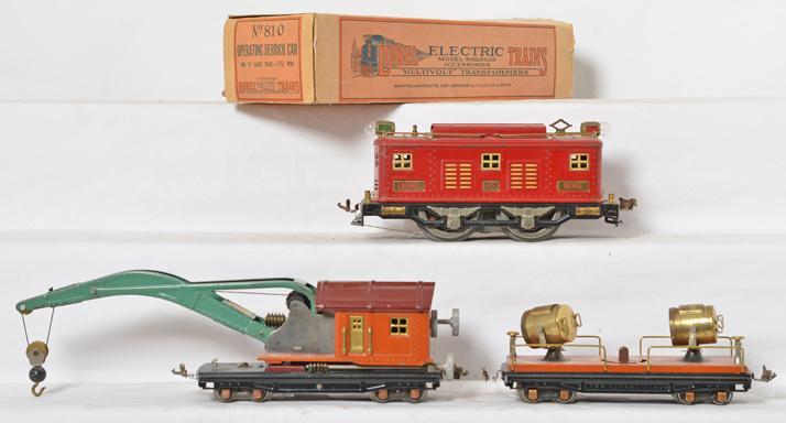 Lionel prewar O gauge 8E, 820 searchlight, 810 Derrick crane