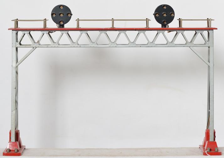 Lionel prewar standard gauge 440N signal bridge