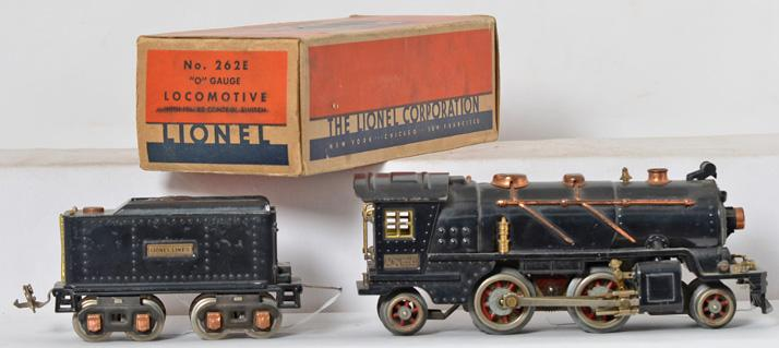 Lionel 262E steam locomotive with 262-T tender and one box