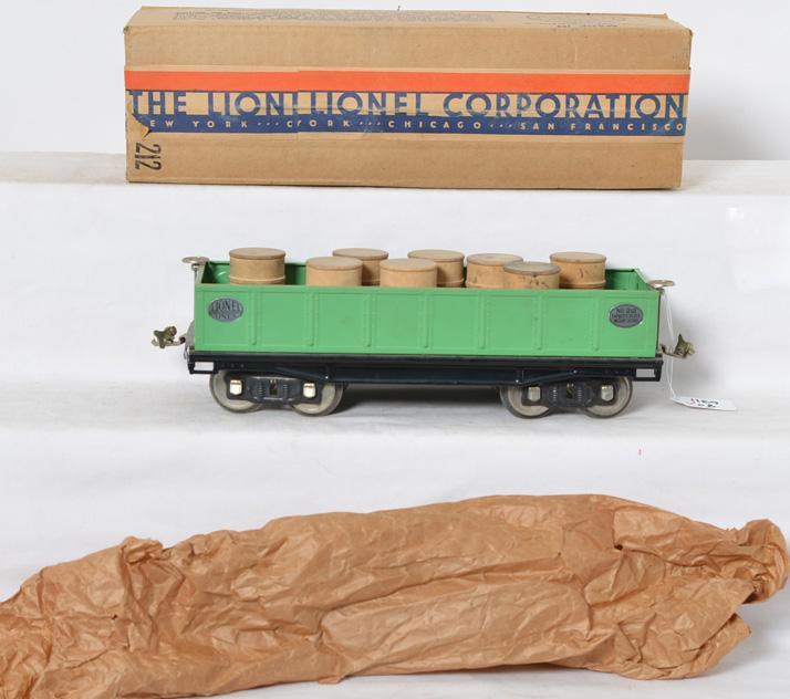 Lionel 212 Green Gondola w/ Barrels and Original Box