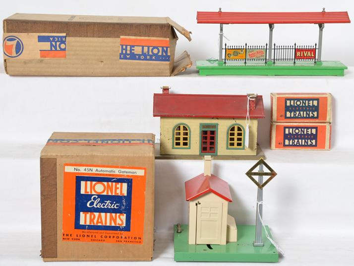 Lionel Prewar 156 Platform, 45N, 41, 41 AND 127 Station