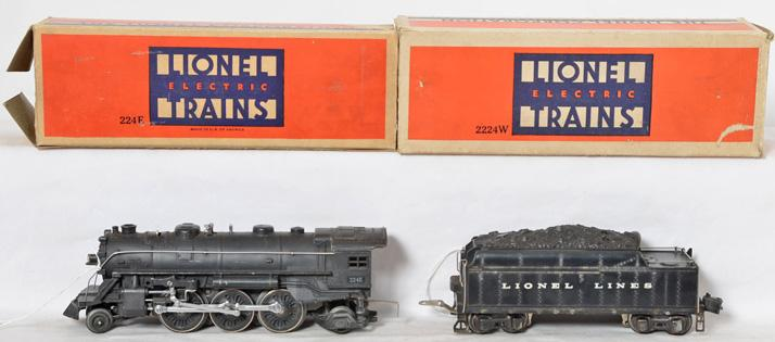 Lionel Prewar 224E and 2224W Tender with Original boxes.
