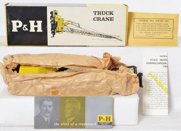 Lionel 6828-100 Harnischfager Truck Crane with Original Box and contents