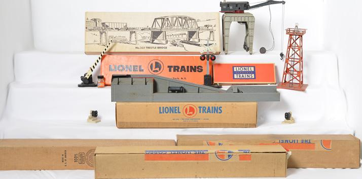 Lionel accessory lot 364, 364, 364, 110, 394, 282R, 252, 89, etc