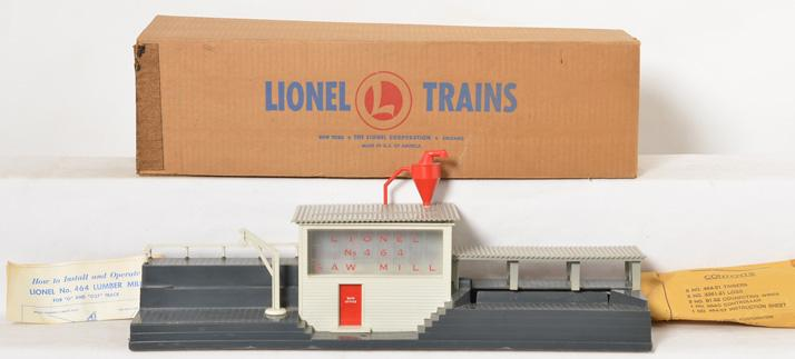 Clean Lionel 464 lumber mill with original box