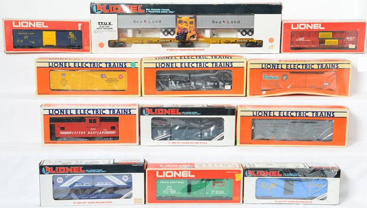 12 Lionel Freight Cars, 16314, 9749, 17307, 17407, 9706