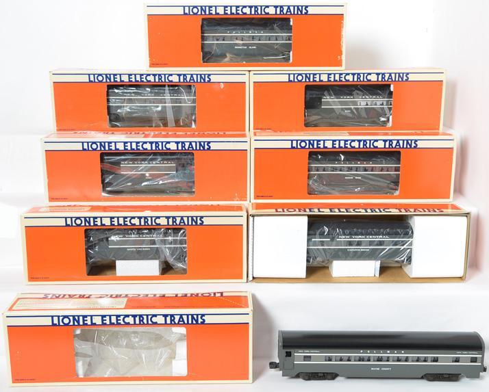 8 Lionel NYC Aluminum Passenger Cars, 29140-41, 7207, 9594-9598