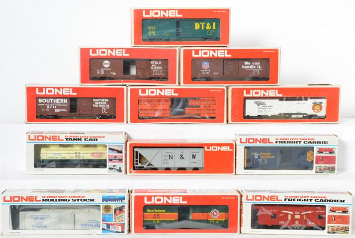 12 Lionel Freight Cars, 9148, 9704, 5701, 9755, 9711, 9750