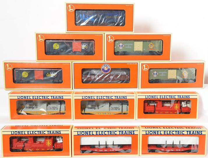 12 Lionel Freight Cars, 26719, 26275, 16688, 167604, 16395