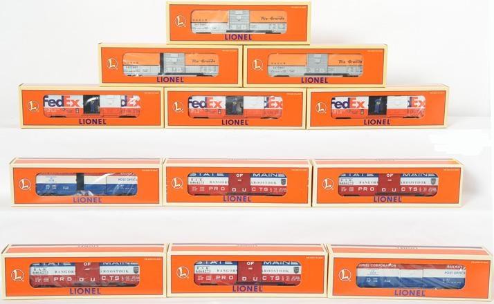 12 Lionel Freight Cars, 52118, 19835, 16740