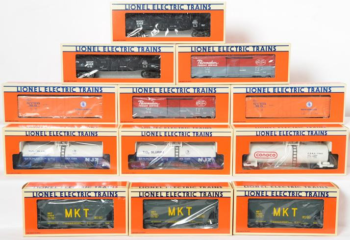 12 Lionel Standard O Freight Cars, 17004, 17903, 17902, 6209, 9469, 9815
