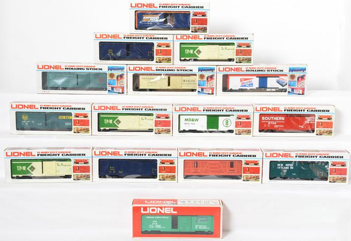 15 Lionel Freight Cars 9700, 9453, 9716, 9454, 7900, 9428, 5703