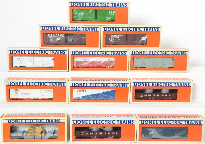 12 Lionel Freight Cars, 9480, 9481, 9483, 9473, 9475