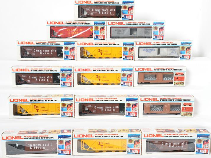 15 Lionel Freight Cars 6131, 5701, 6124, 5702, 7517,6112