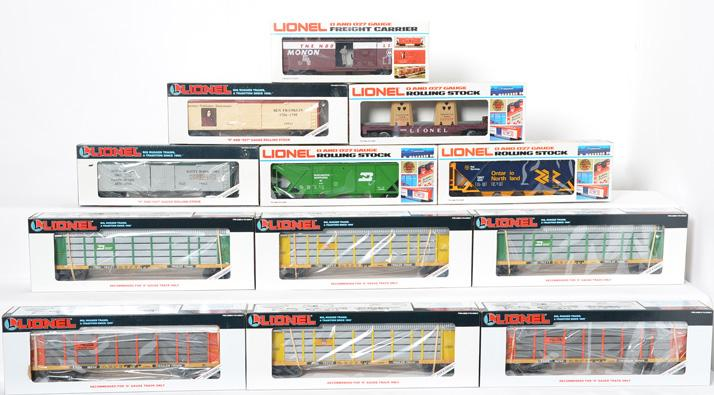 12 Lionel Freight Cars, 16217, 16214, 16228, 19513, 19512