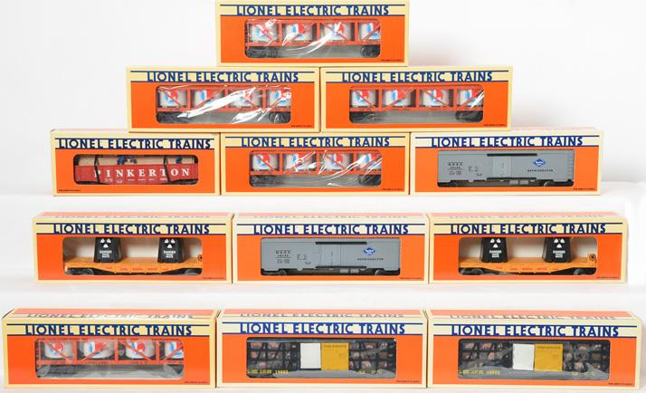 12 Lionel Freight Cars, 16666, 16674, 19822, 16134