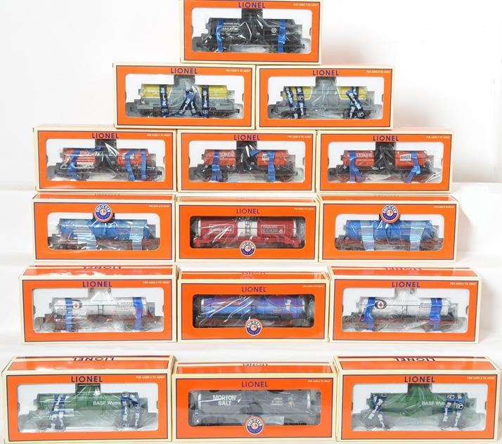 15 Lionel Tank Cars, 26152, 26153, 2615819815, 19626, 19635,