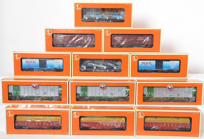 12 Lionel Freight Cars, 36085, 17442, 16767, 39207, 17548