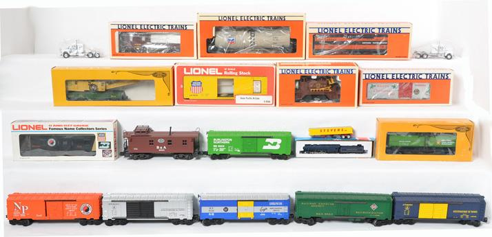 15 Lionel Freight Cars19505, 9268, 9863, 6305