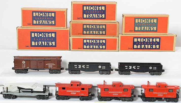 7 Lionel freight cars 2472, 2458, 2452, 2452, 2457, 2457, 2411