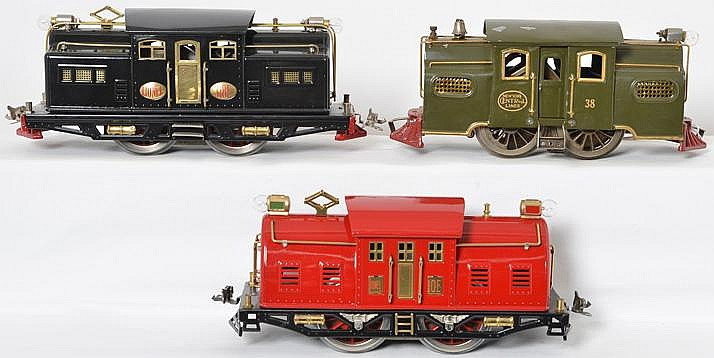 3 restored Lionel standard gauge locomotives 318E, 10E, and 38