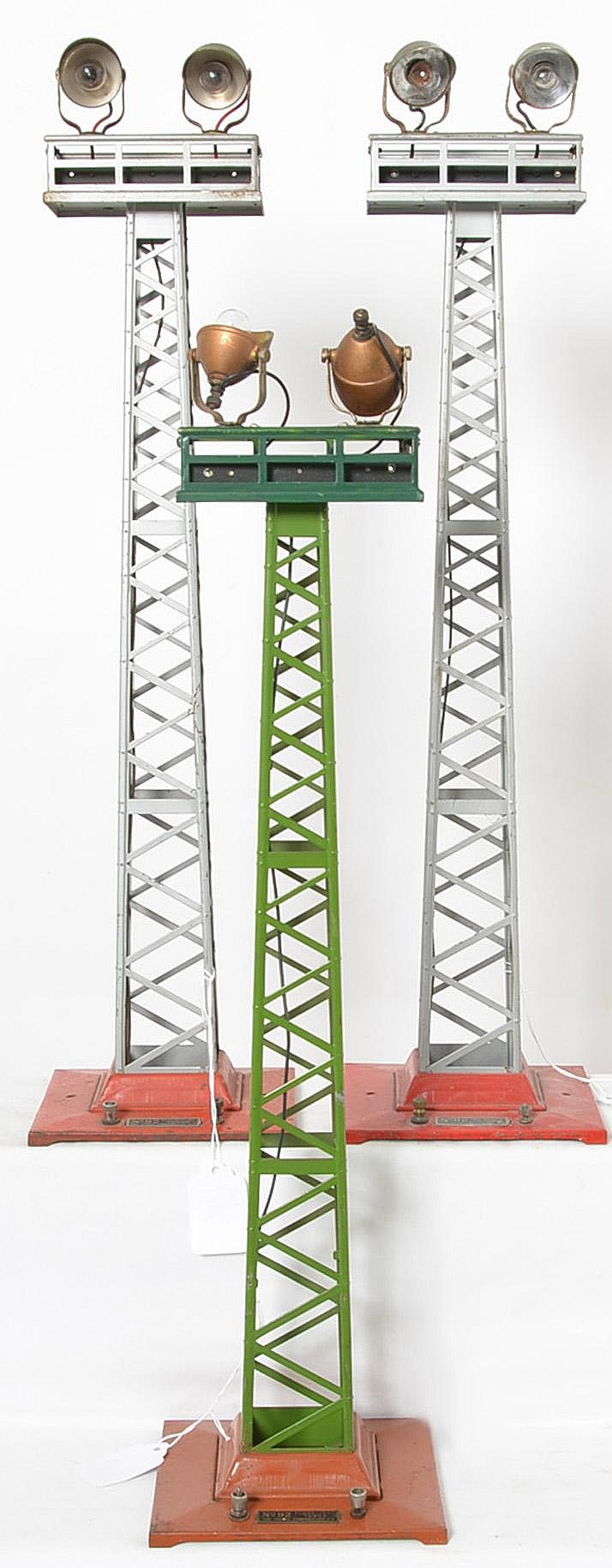 3 Lionel standard gauge No. 92 floodlight towers