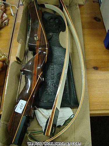 Goldseeker archery bow