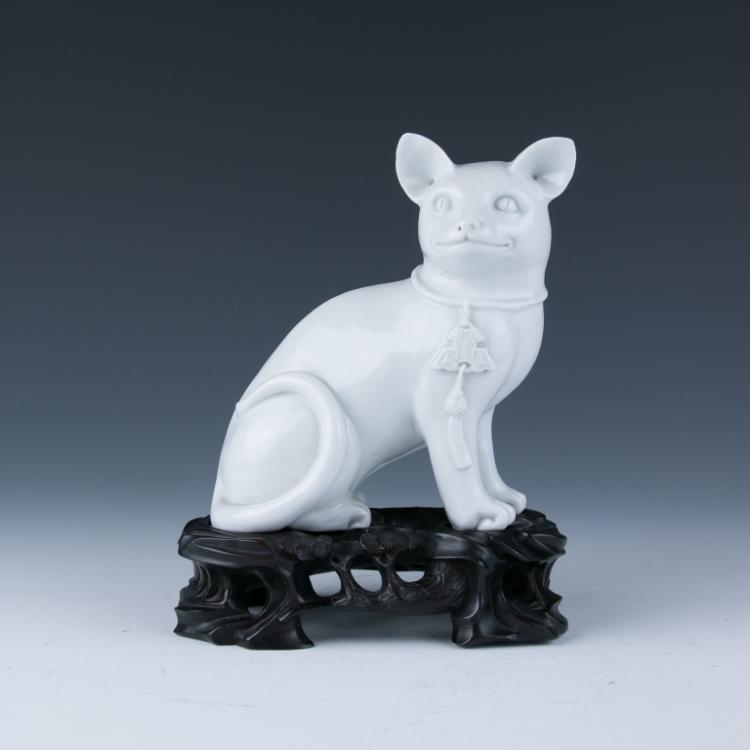 A White Glazed Figure of Cat, Qing Dynasty