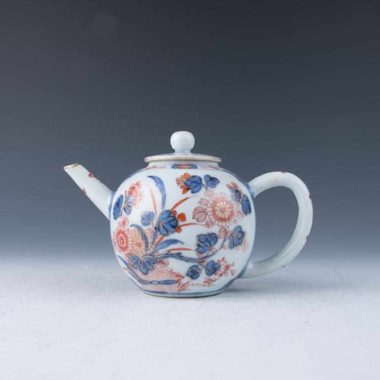 A Chinese Imari Teapot,18th Century