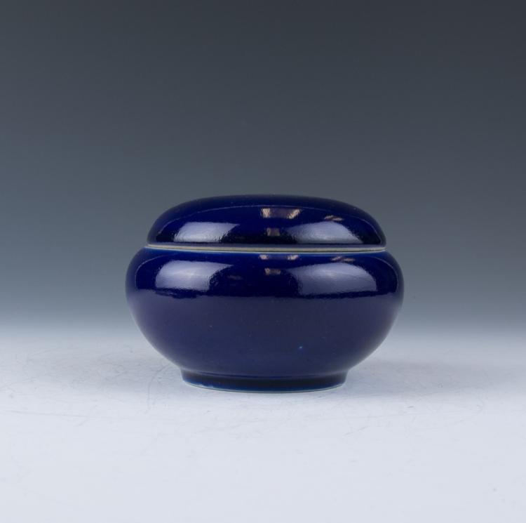 A Blue Glazed Circular Jar with Cover