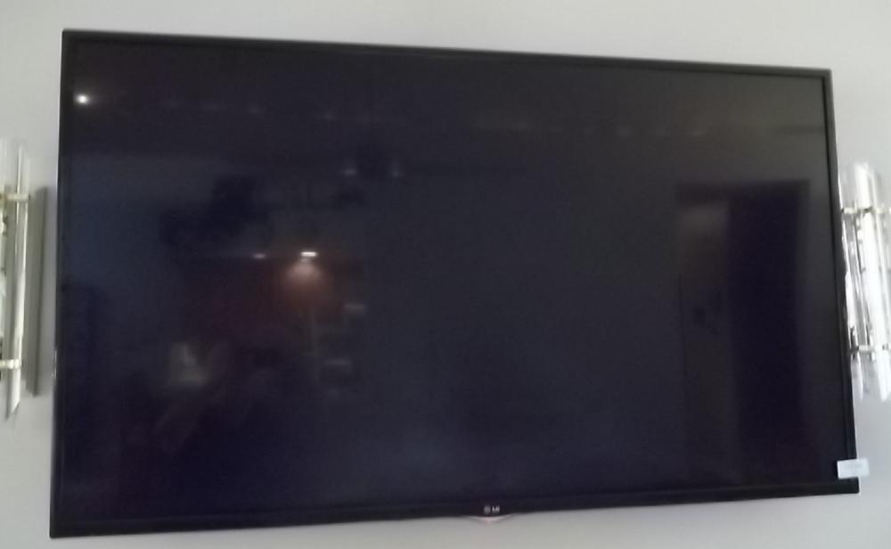 LG flatscreen wallmount TV