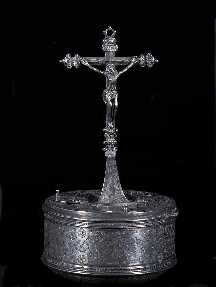 Embossed silver box for holy Oil. 17th century. One foot is missing.