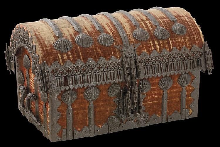 Importante caja de caudales en hierro forjado y madera g ti for Caja de caudales