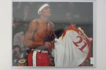 Josh Smith Atlanta Hawks signed autographed 8x10 photo (holding Wilkins jersey) Certified COA