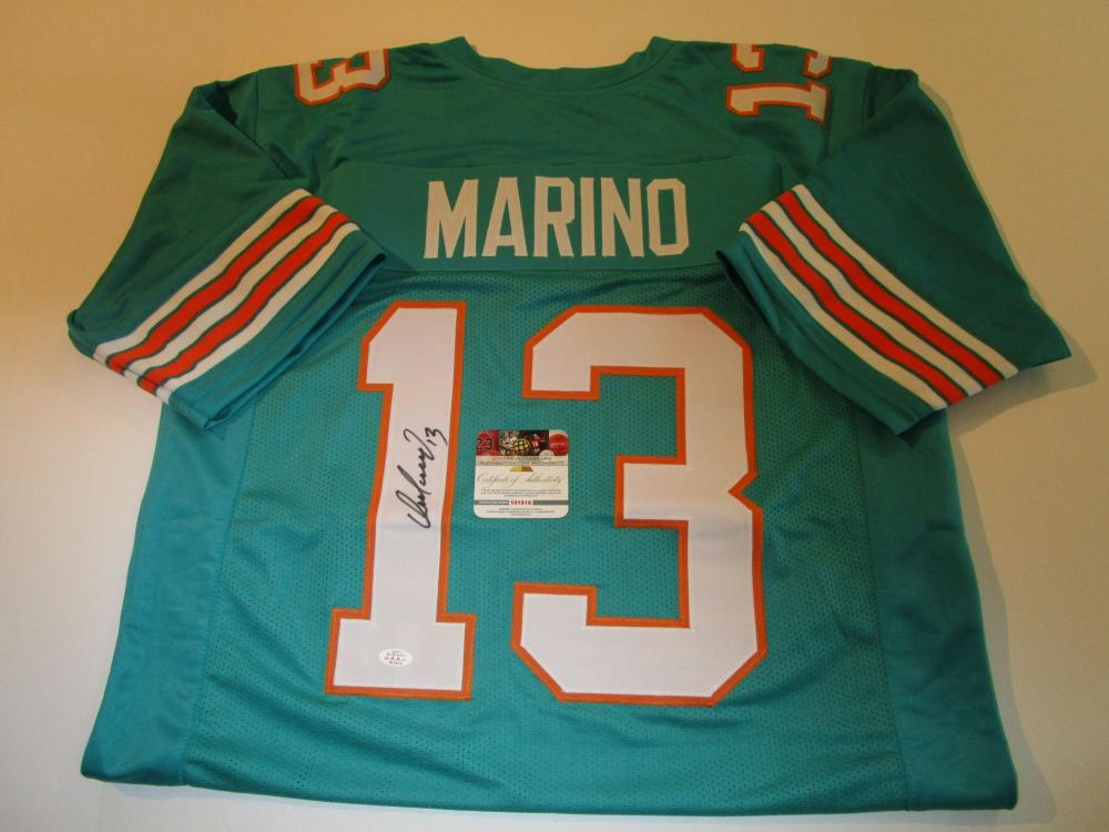 official photos a245b 2315f Dan Marino, Miami Dolphins Quarterback, NFL Hall of Fame ...